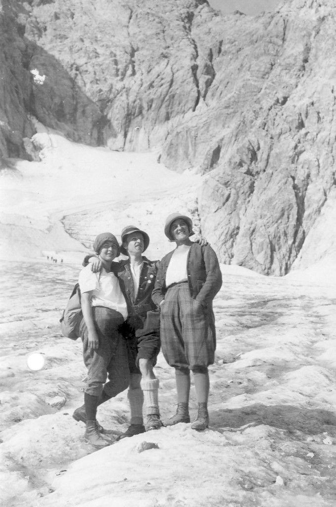 Auf dem Höllentalferner in den 1920er Jahren. Mathilde Reiser unternahm in den 1920er Jahren viele geführte und ungeführte Touren mit ihrer Freundin Anna Gässl. (Foto: DAV/Archiv)