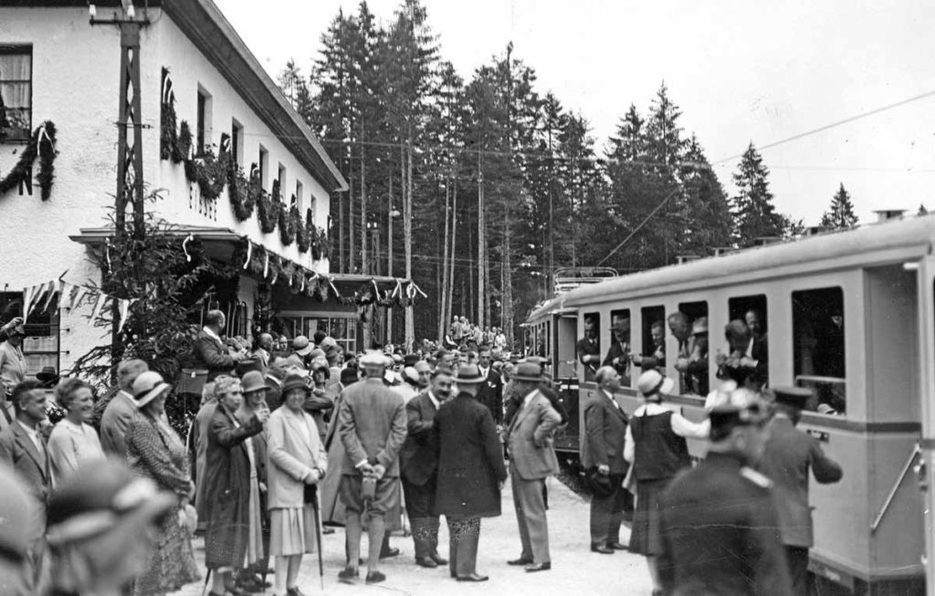 Zugspitze-Zahnradbahn-Bahnhof-Eibsee-Streckeneroeffnung-bis-Schneefernerhaus-1930-Bayerische-Zugspitzbahn-Bergbahn-AG
